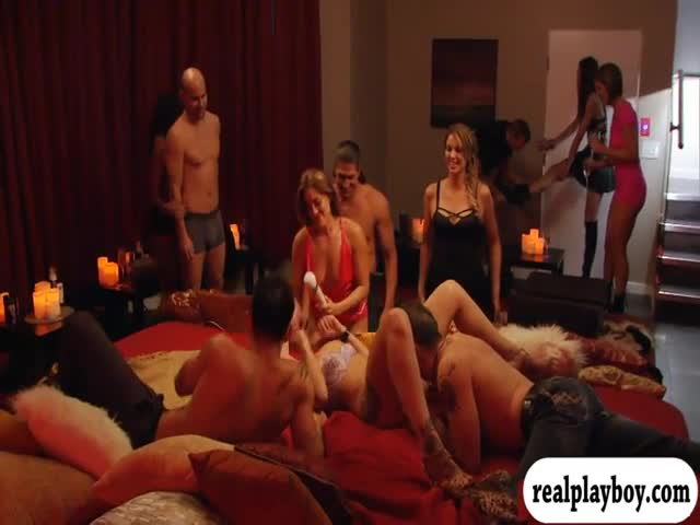 Married-people-groupsex-in-the-mansion
