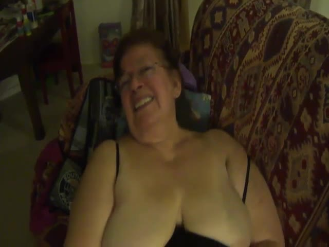 Granny-Mexicana-BBW-has-oral-sex