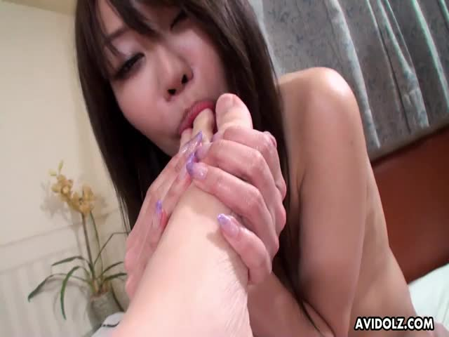 Slutty-Asian-chick-sucking-ass-and-riding-a-dick