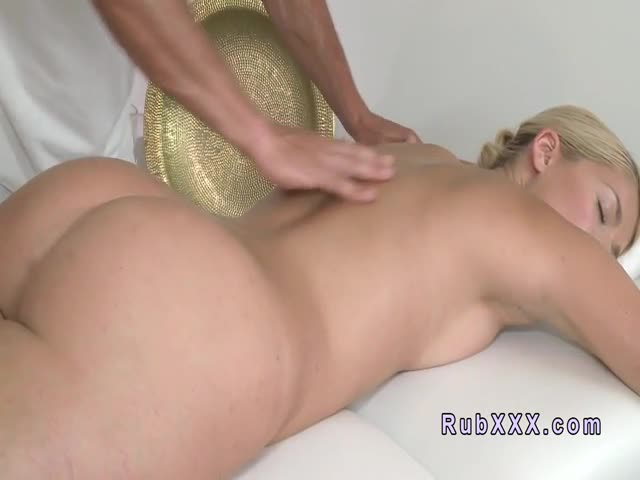 Masseur-licks-ass-to-sexy-blonde