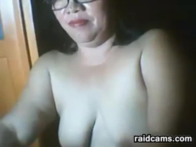 Fat-Filipina-Masturbates