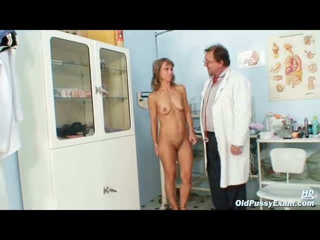Mature-Vladimira-gets-her-pussy-properly-gyno-examined-by-kinky-