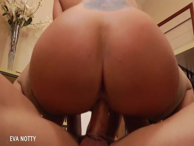 Sexy-Milf-Eva-Notty-suck-and-jump-cock