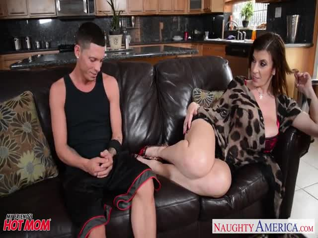 Sexy-mom-Sara-Jay-gets-fucked-and-facialized