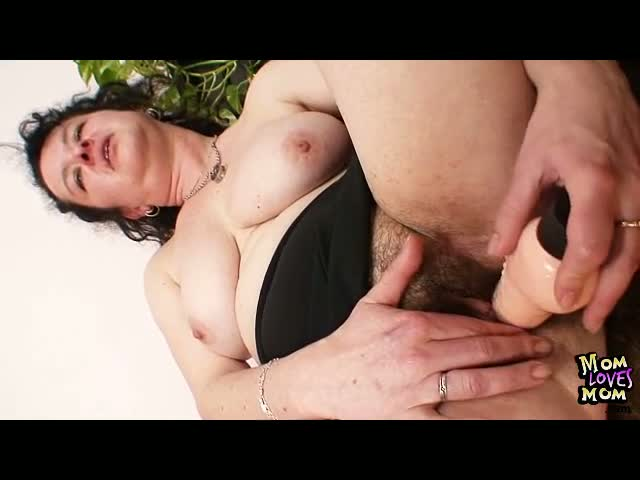 Mature-mom-Hedvika-hairy-pussy-dildo-drilling