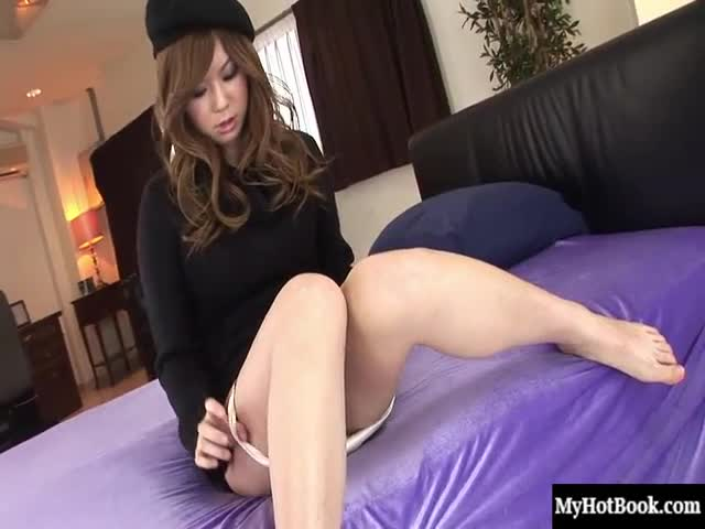 Kim-is-a-horny-Asian-with-a-barely-trimmed-pussy.-She-normally