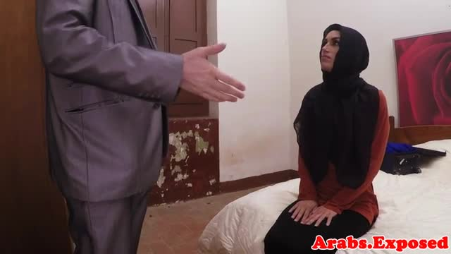 Arab-habiba-fucked-like-a-whore-for-cash