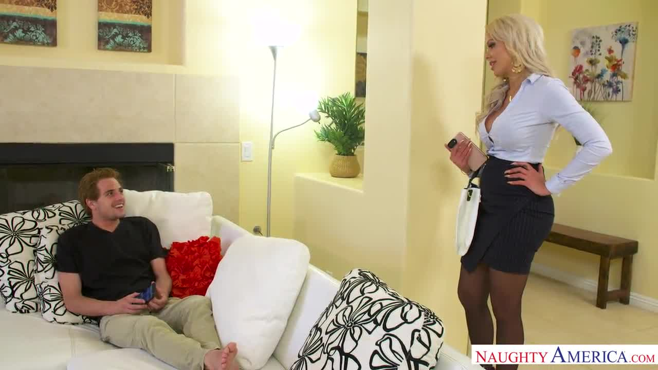 How i fuck my stepmom Nina Elle