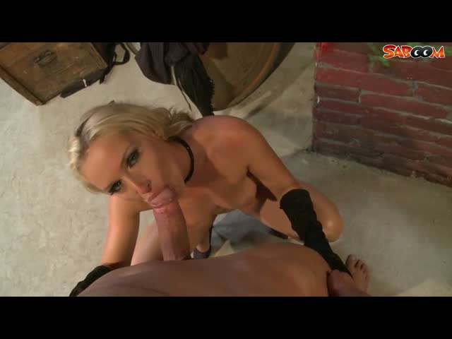 Stranger-Fucks-Milfs-Ass-in-Alley