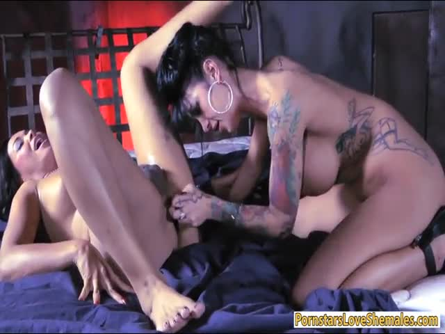 Skanky-babe-fucked-by-stunning-shemale