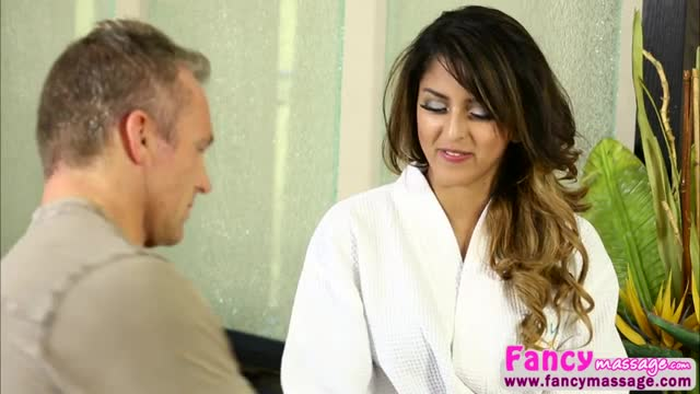 Beautiful-and-horny-Sophia-Leone-gets-fucked-by-Marcus-London