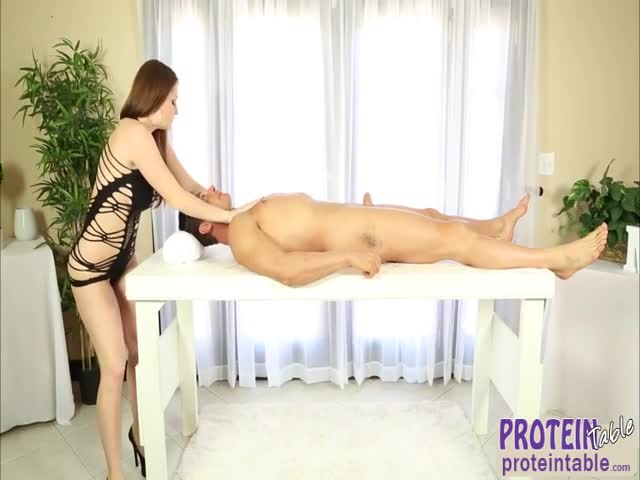Perfect-ass-blonde-masseur-gives-her-client-a-perfect-massage