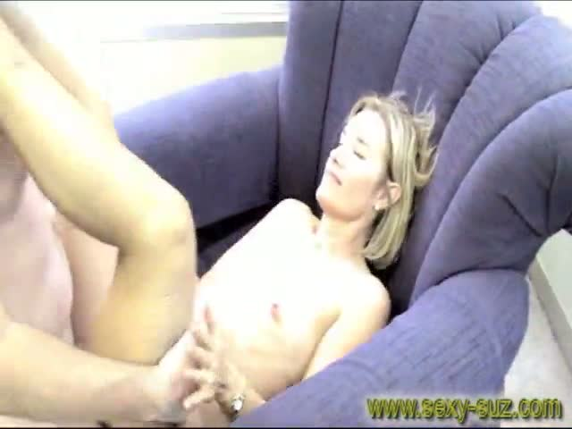 Sexy-Suz-Fucking-in-Public-Office-with-Open-Windows