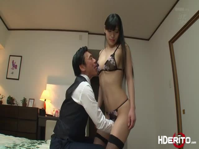 Sexy-Japanese-An-fucks-to-get-a-perfect-score-from-moaning-loudl