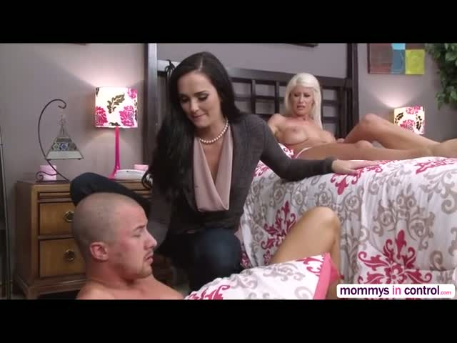 Rileys-on-handcuff-gets-fucked-hard-with-her-Stepmom-Bianca