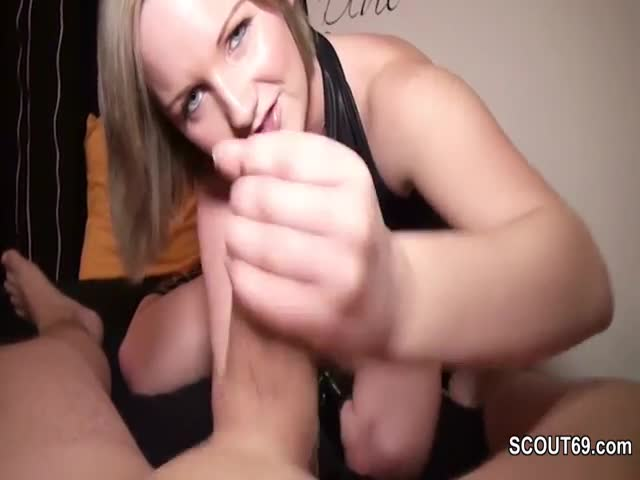 Step-Sister-give-perfect-Handjob-to-german-Steo-Brother