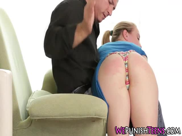 Teen-gets-face-fucked-
