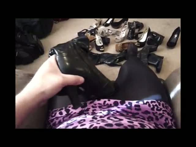 Crossdressing-Tranny-Cums-on-Heels