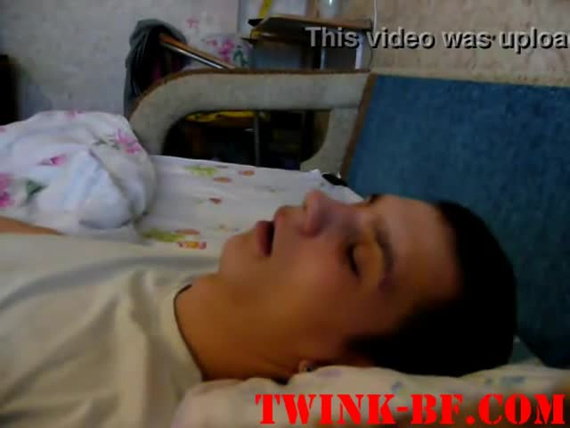 Sleeping-Boy-Cum-Facial
