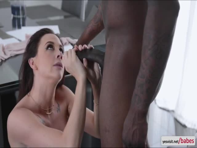 American-beauty-Chanel-Preston-shows-off-her-sloppy-blowjob