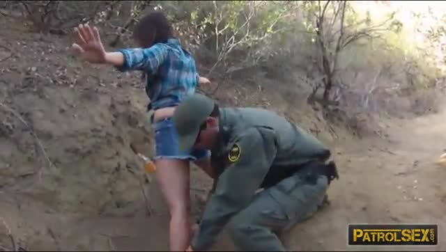 Mexican-BP-agent-fucked-adorable-amateur-babe-for-sneaking