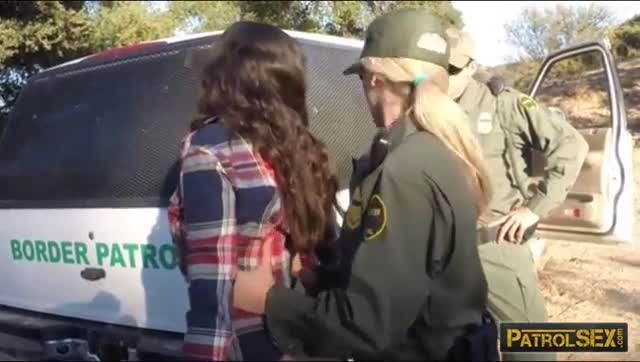 Brunette-babe-gets-fucked-by-border-patrol-officers