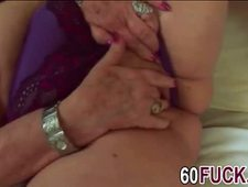 Old Lady Dominika Takes Long Shaft In Cunt On Couch