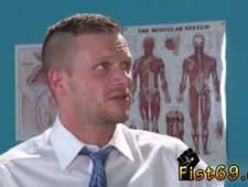 Gay fisting twinks Brian Bonds stops in to watch his doctor about his