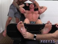 Gay sex image male foot to kinky hysterics in the MFF kittle chair Drake